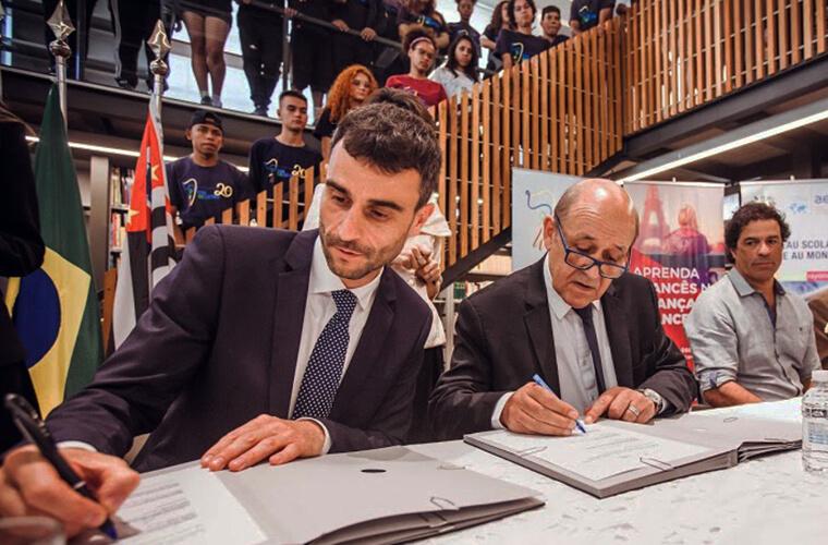 Nicolas de la Cruz, Diretor Geral da Aliança Francesa de São Paulo, e Jean-Yves Le Drian, Ministro da Europa e das Relações Exteriores da França