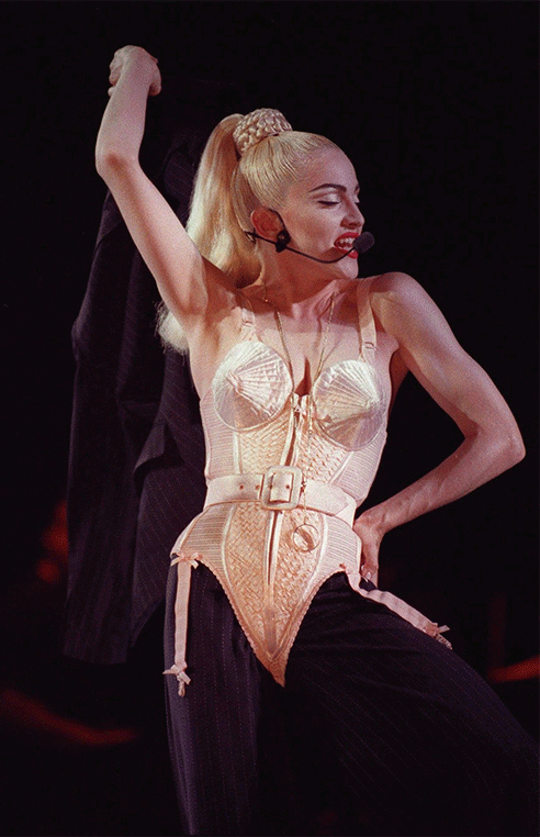 madonna-corset-conique